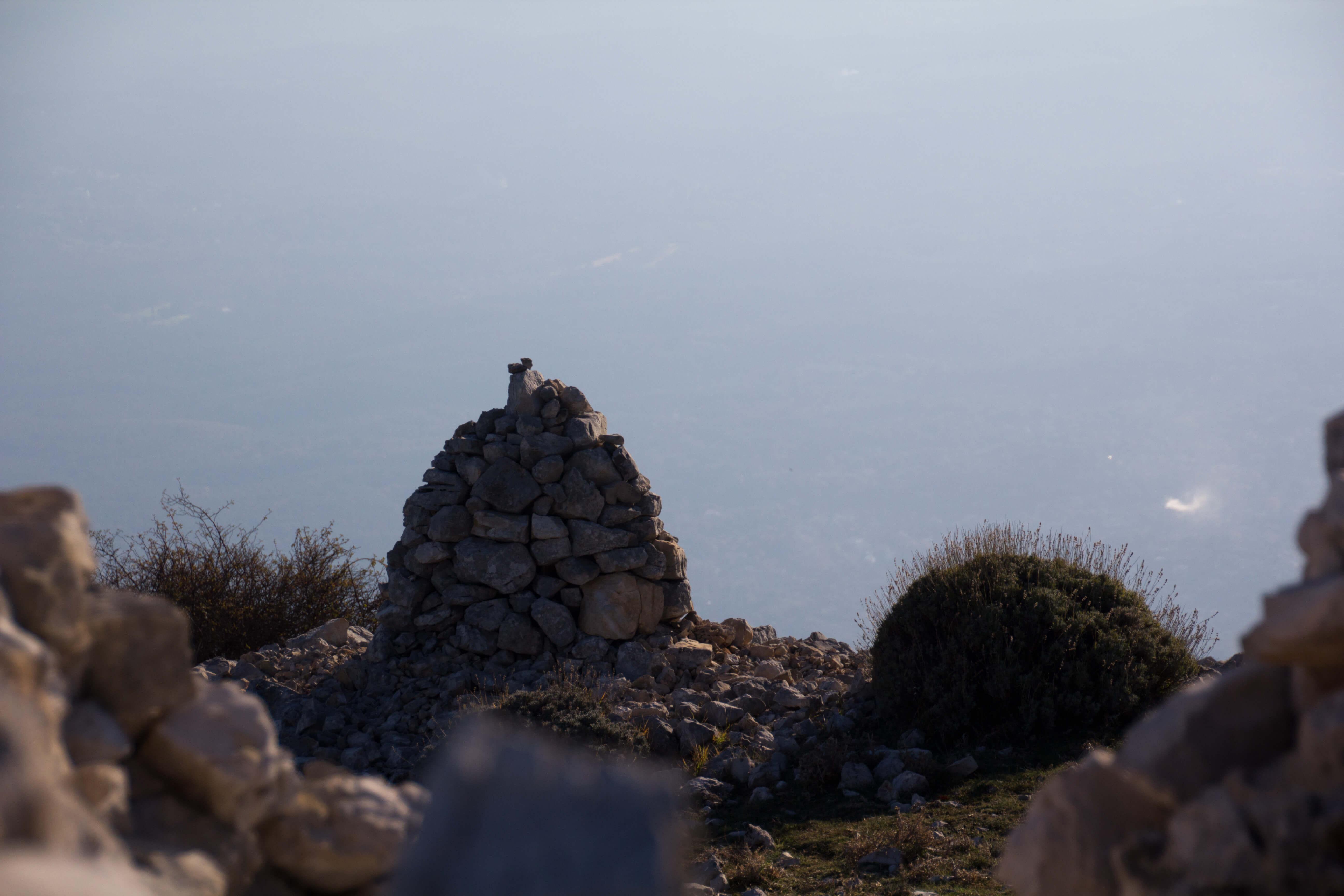 Au sommet du pic des Courmettes