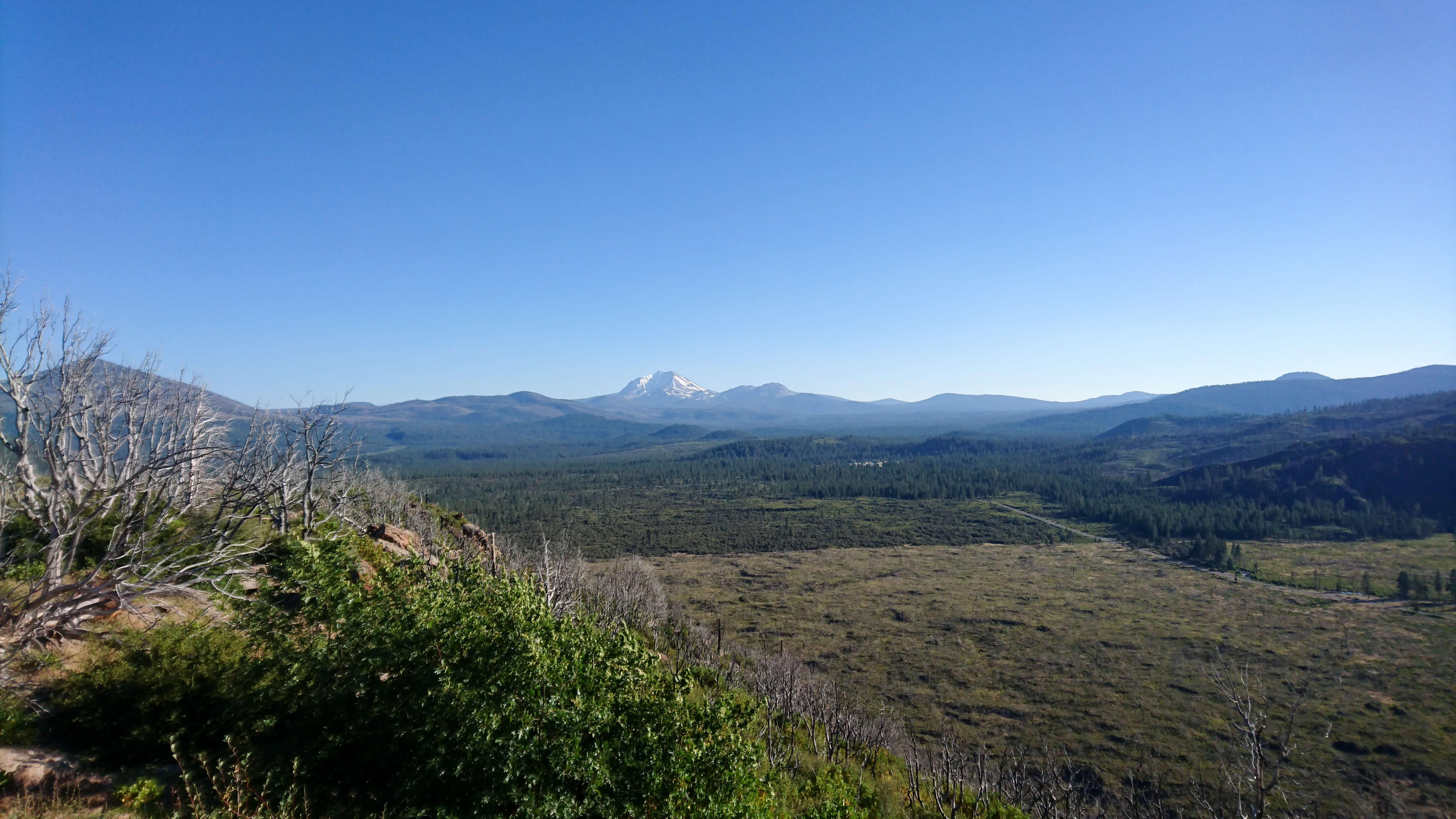 Vue sur le Mont Lassen, depuis le plateau du Hat Creek