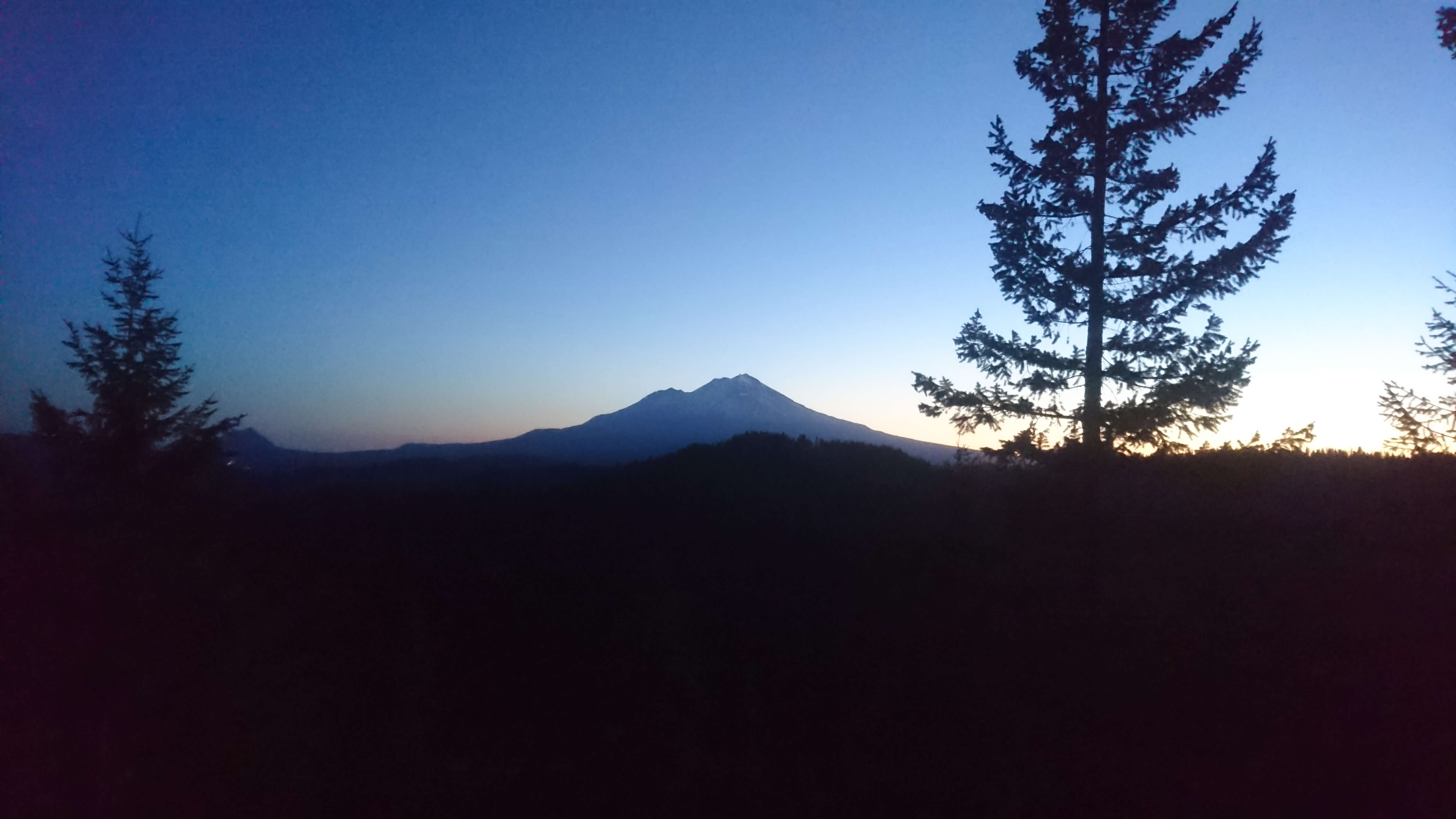 Lever du jour sur le Mont Shasta
