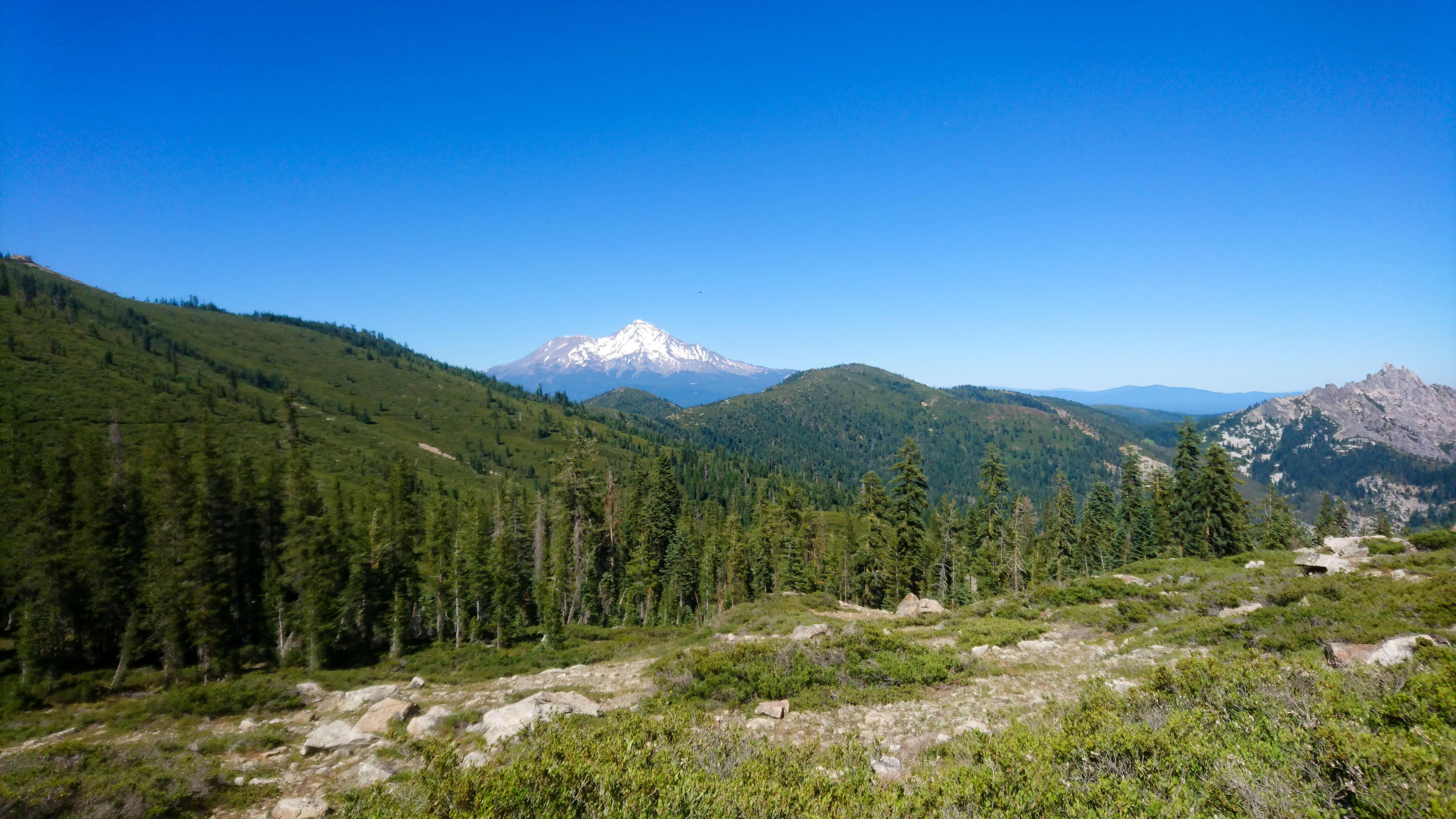 Castle Crags et le Mont Shasta