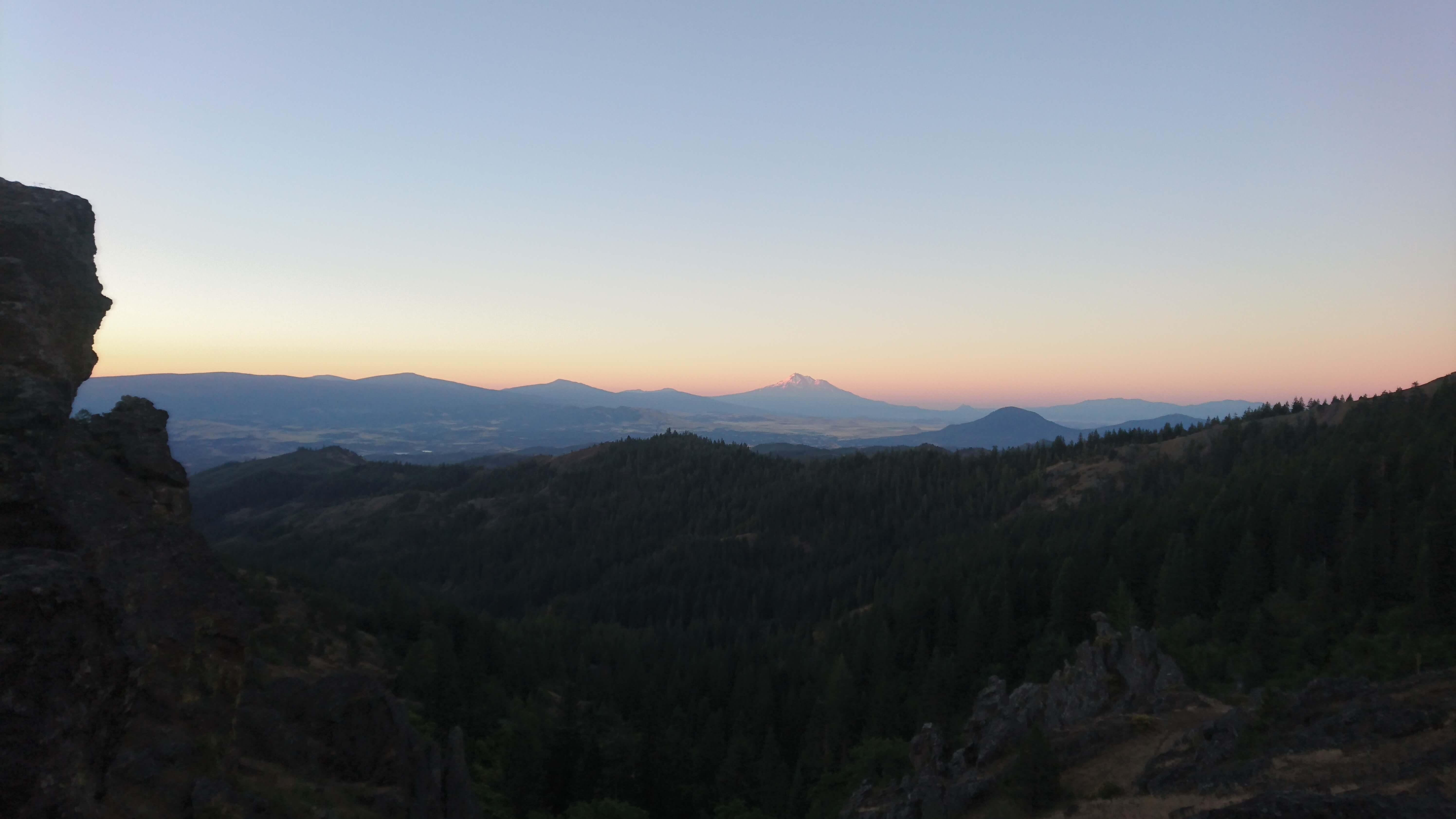 Lever de soleil sur le Mont Shasta
