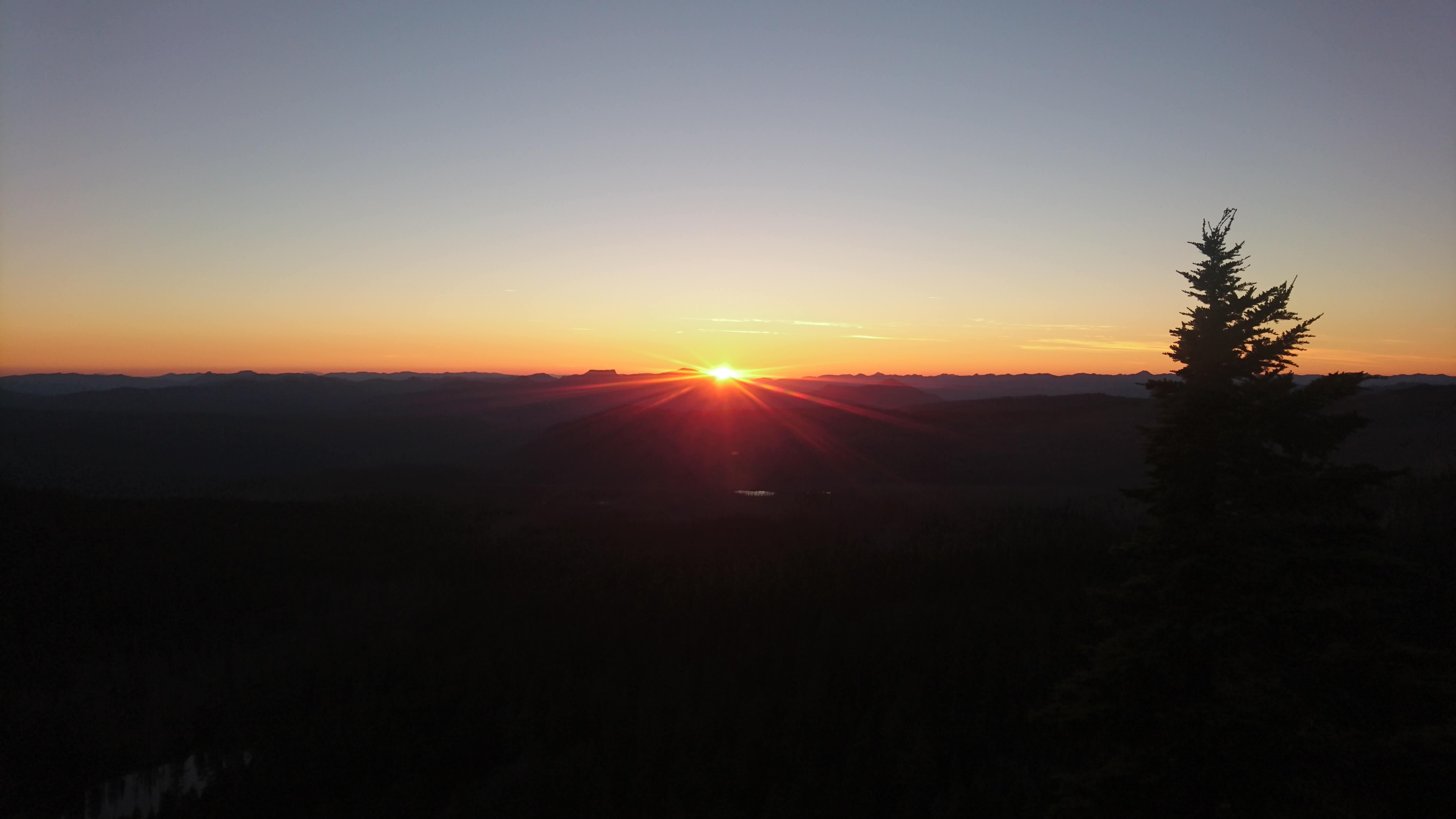 Encore un coucher de soleil magique sur le trail