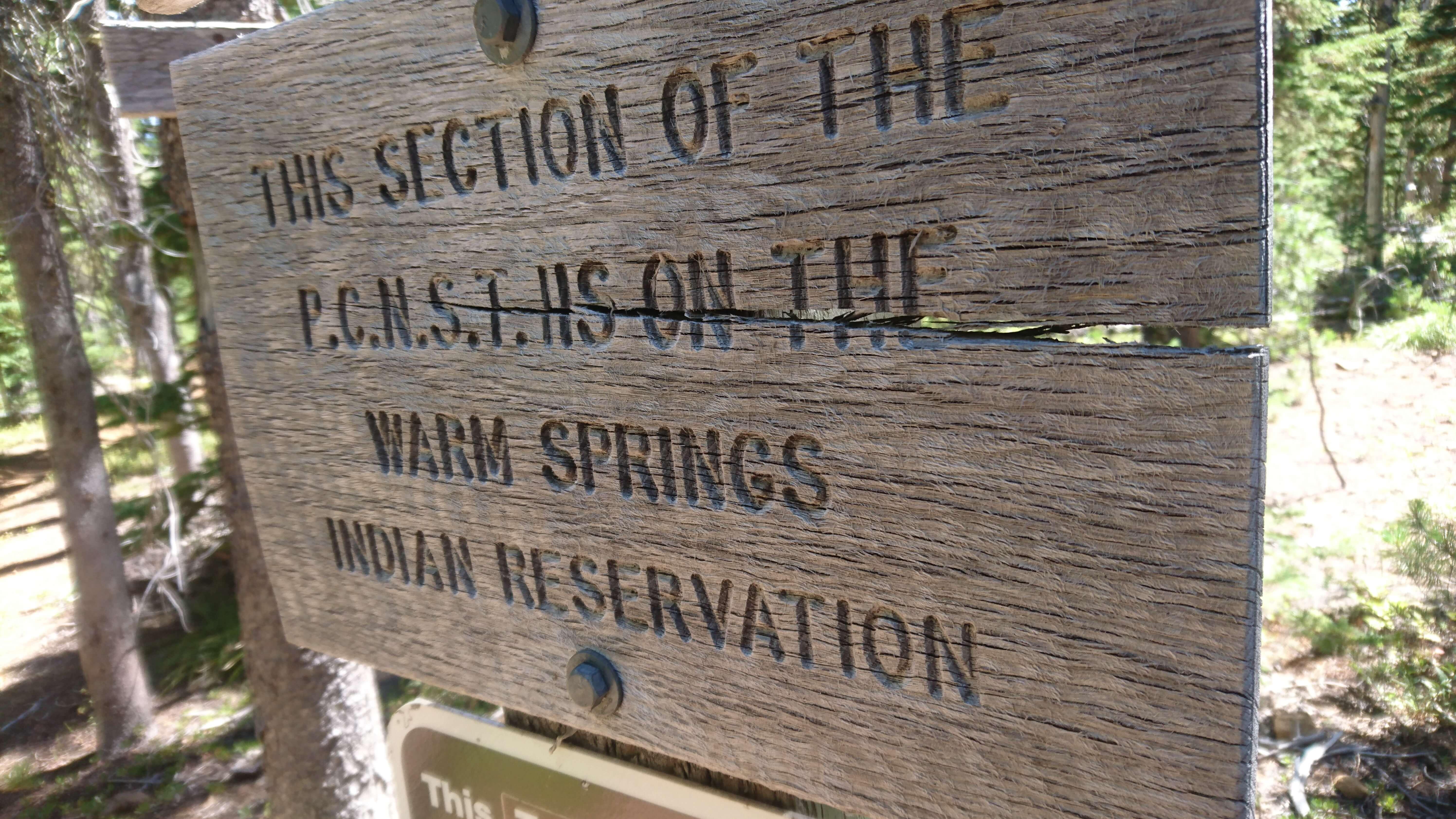 Entrée dans Warm Springs, une réserve indienne